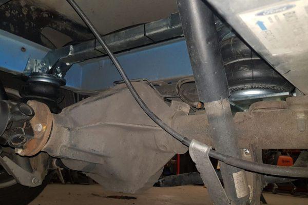 Установка пневмоподушек Ford Transit 2014-н.в. спарка RWD