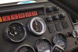 Размещение манометра в кабине ГАЗ-3307
