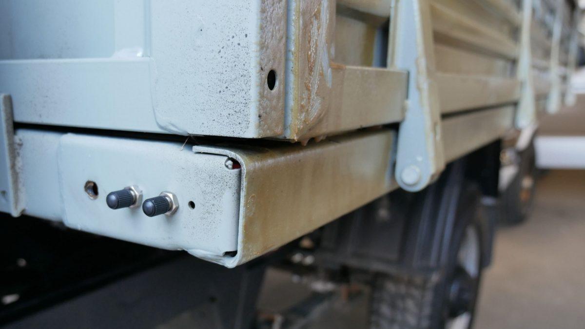 03042 ✘ Вывод ниппелей подкачки пневмоподушек на УАЗ «Профи»