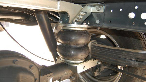 Einbau der Luftfederung bei Iveco Daily 50-130