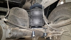 03020 ✘ Задние пневмохелперы на УАЗ Патриот