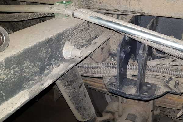32052 ✘ Установка верхнего кронштейна L пневмоподвески Iveco Daily 70-